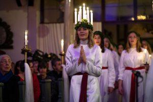 Die 16-Jährige Engla Ejdehage ist die offizielle Lucia von Schweden 2019
